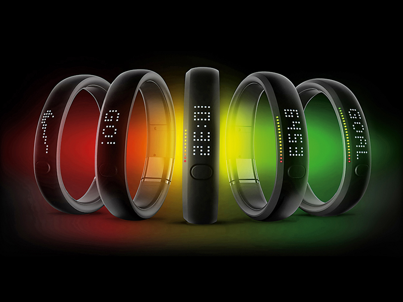 11463_Gold_FuelBand_ceremony1